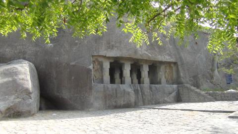 மண்டகப்பட்டு குடைவரை, குடைவரை முழுத்தோற்றம், மண்டகப்பட்டு, விழுப்புரம், கி.பி.7-ஆம் நூற்றாண்டு